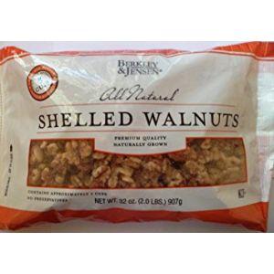 Berkley & Jensen Shelled Walnuts Halves and Pieces - 32oz Bag